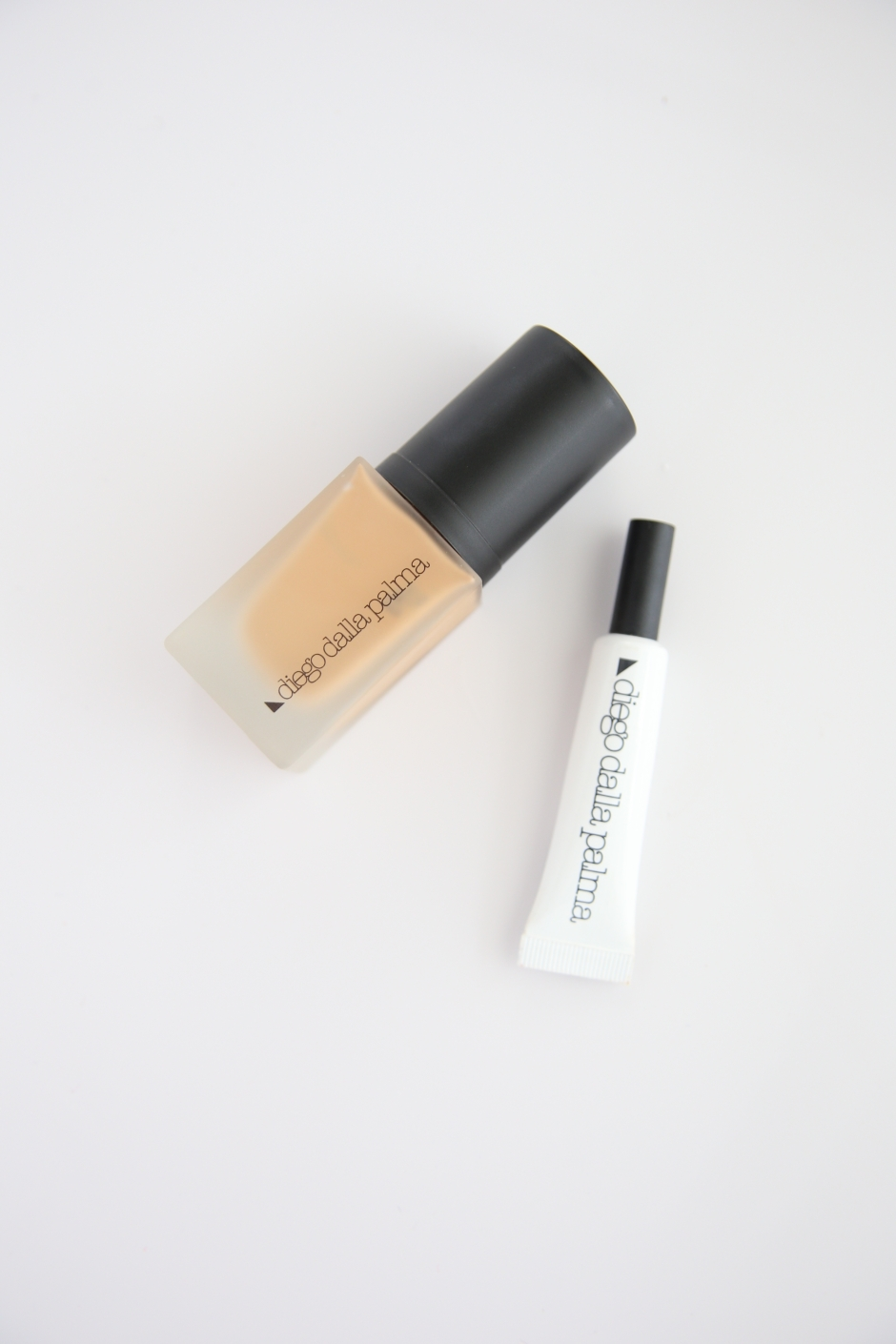 diego-dalla-palma-foundation-and-concealer